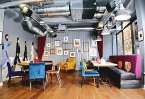 Poshtel Lounge